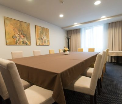 new-city-hotel-boardroom-02